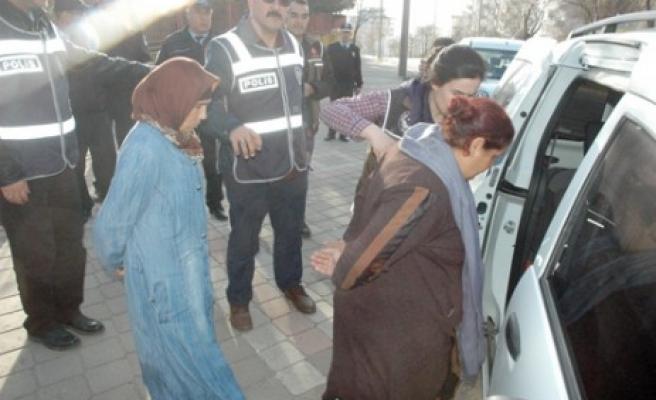 İzinli Polis Hırsızlık Çetesini Yakalattı