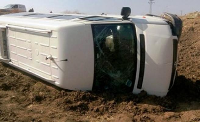Kahramanmaraş'ta Minibüs Tarlaya Uçtu: 8 Yaralı