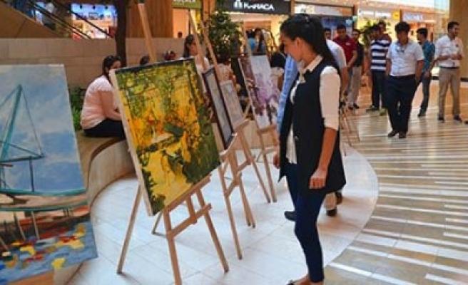 Karma Resim Sergisi Sanatseverlere Kapılarını Açtı