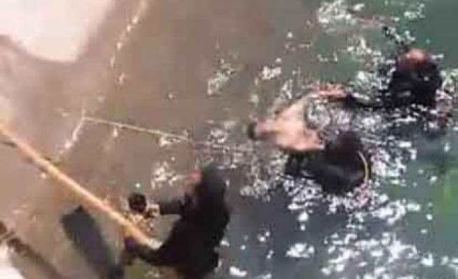 Kılavuzlu'da Kanala Giren İki Gençten Biri Boğuldu