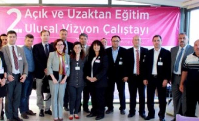KSÜ 2.Açık ve Uzaktan Eğitim Çalıştayı'na Katıldı