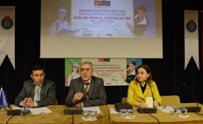 """KSÜ """"Kızlar Okula, Kadınlar İşe"""" Projesine Ev Sahipliği Yaptı"""