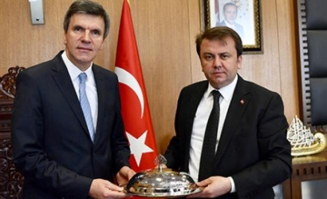 Makedonyalı Müsteşar Şehabi'den Başkan Erkoç'a Ziyaret