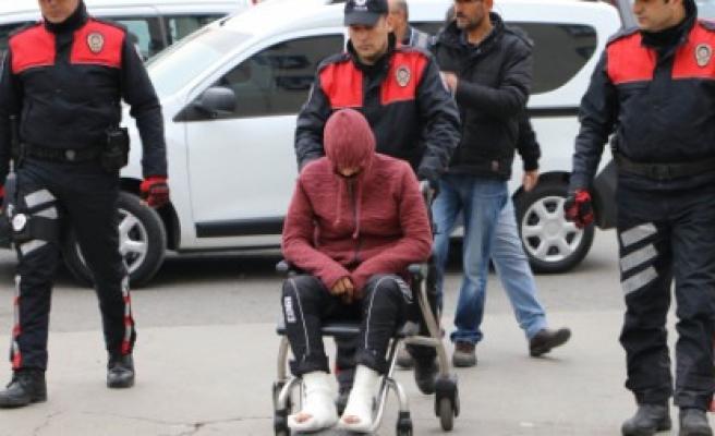Önce Kameraya Sonra Polise Yakalandı