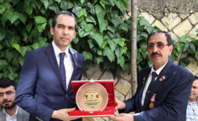 Özdemir'den Muharip Gaziler Derneğine Ziyaret
