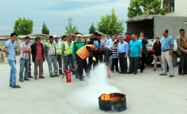 Park Bahçe Personeline Yangın Söndürme Eğitimi