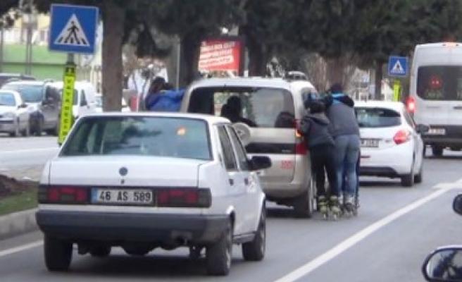Patenli Gençlerin Trafikteki Tehlikeli Oyunu Cezayla Bitti
