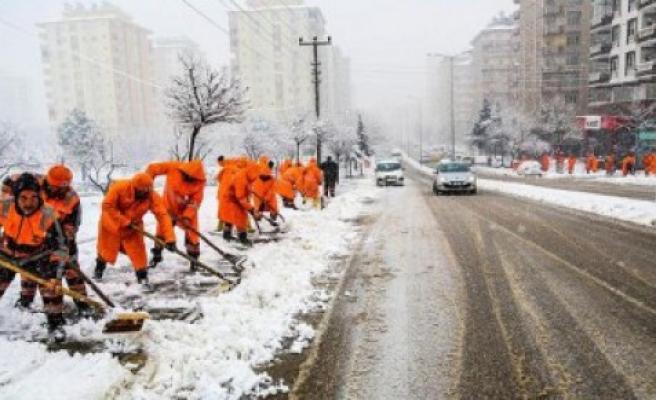 Pazarcık Belediyesi Kar Yağışına Hazır