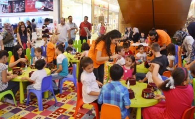 Piazza'da Ramazan Eğlenceleri Devam Ediyor