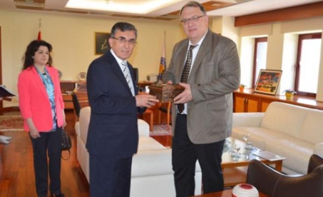 Barsevskis'ten, Karaaslan'a İşbirliği Teklifi