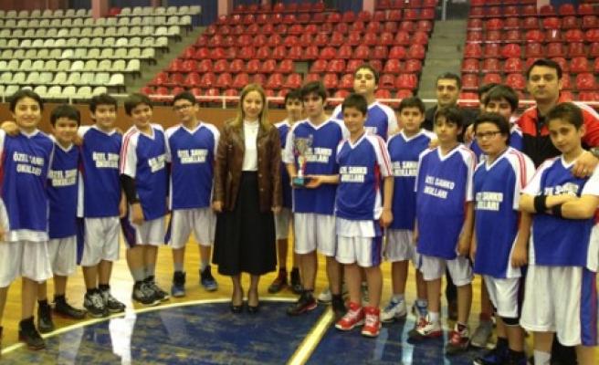 SANKO Basketbol Takımı 3. Oldu