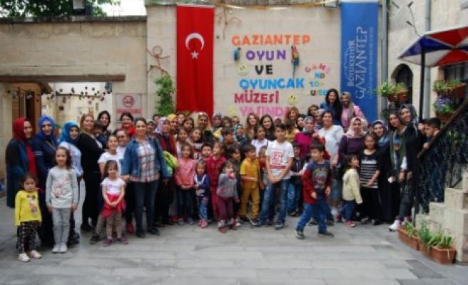 Sanko Holding Minik Öğrencileri ve Annelerini Konuk Etti