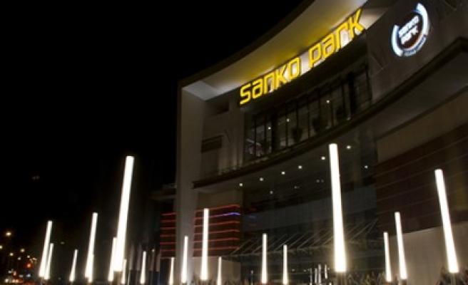 Sanko Park Üç Kişiyi Mercedes Sahibi Yaptı