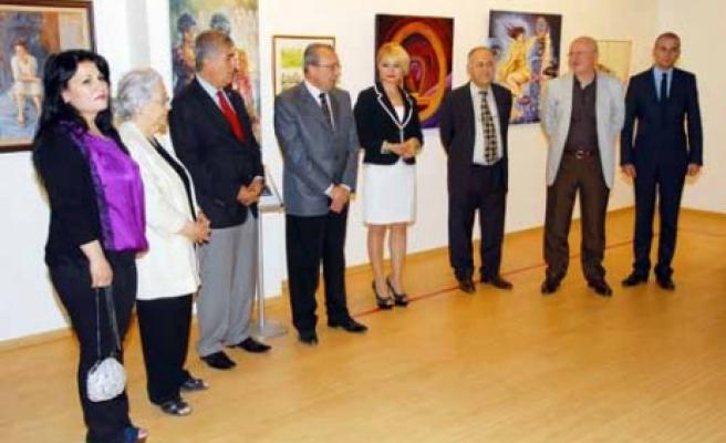 Sanko Sanat Galerisi'nde, 32 Sanatçının Eserlerinin Yer Aldığı Karma Sergi Açıldı