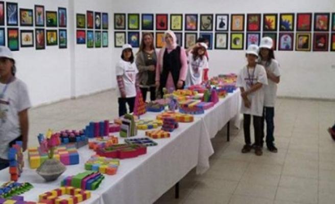 Sarıgüzel Ali Koca Ortaokulu'nda Resim Sergisi Ve Tubitak Bilim Fuarı Açıldı