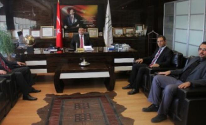 TÜRKAV Gaziantep Şube Başkanı Zirve Üniversitesi'ni Ziyaret Etti