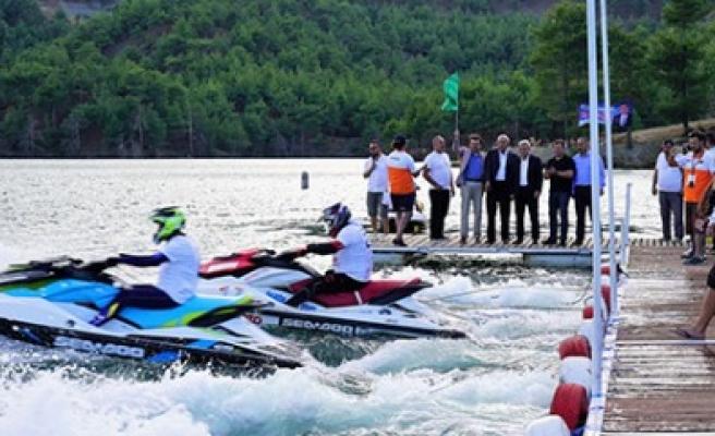 Türkiye Su Jeti Ve Flyboard Şampiyonası Yapıldı