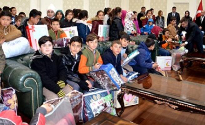 Türkoğlu'nda Öğrenciler Harçlıkları İle Kampanyaya Destek Oldular