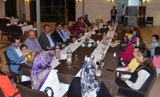 Türkoğlu'nda Tayini Çıkan Hakim Ve Savcılara Veda Yemeği