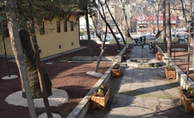 Ulu Cami Bahçesinde Çevre Düzenleme Çalışması