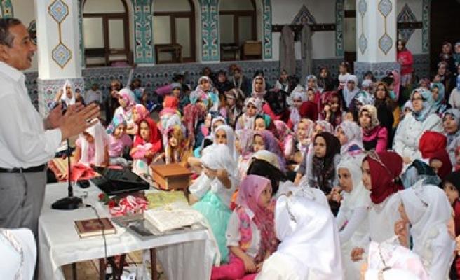 Yaz Kur'an Kursu Öğrencileri Taçlandı