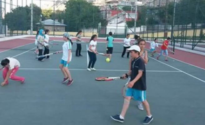 Yaz Spor Okulları Doludizgin Gidiyor