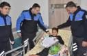 Hastanede Tedavi Gören Öğrencilere Polisten Karne...
