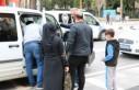 10 Yaşındaki Oğluyla Sokağa Çıkan Baba ve Anneye...