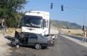 Feci kaza! Tır İle Otomobil Çarpıştı