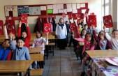 Cahit Zarifoğlu İlköğretim Okulu Öğrencilerinin Karne Heyecanı