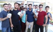 Türkçe Öğrencileri Harçlıklarını Türk Lirasına Çevirdi