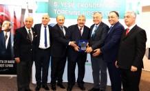 YAPDER Yeşil Ekonomi Ödülleri SANKO Holding Onursal Başkanı Konukoğlu'na Verildi