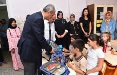Başkan Okay, Eğitim Öğretimin İlk Günü Öğrencileri Yalnız Bırakmadı