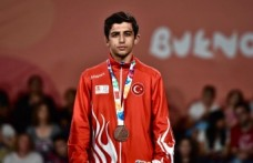 Halil Gökdeniz Olimpiyat Üçüncüsü