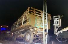 Traktörle Elektrik Direğine Çarpan Sürücü Öldü
