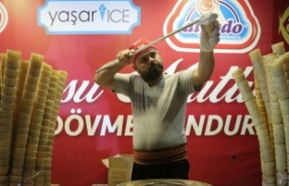 Adana'da 1 Ton Dondurma Dağıtıldı