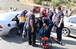 Andırın Yolunda Trafik Kazası: 3 Yaralı