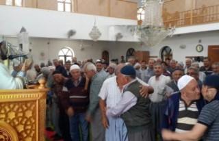 Camide Kardeşlik Kucaklaşması
