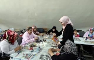 Çocuklar İçin Üretip Aile Bütçesine Katkı Sağlıyorlar