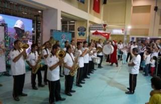 Büyükşehir Bandosu'ndan Sürpriz Konser
