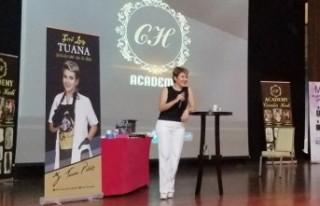 First Lady Tuana, Antalya'da Kalıcı Makyaj Eğitimi...