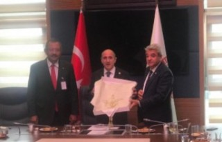 KMTSO Yönetimi Ankara'da CHP'li Öztunç'la...