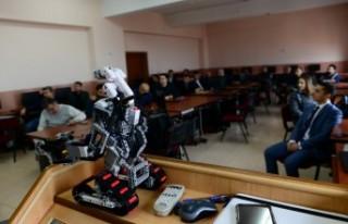 KSÜ'de Akademisyenlere Yönelik 'Robotik Kodlama...