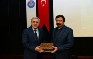KSÜ'de 'Fıkhi Mirasımızın Değeri Üzerine'...