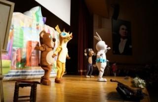 Çocuklar Akıllı Tavşan Momo'ya Hayran Kaldılar