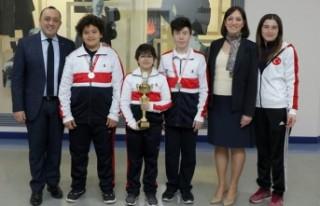 SANKO Okulları Yıldız Erkek Tenis Takımı İl...