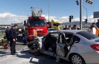 Ambulansla Otomobil Çarpıştı Çok Sayıda Yaralı...