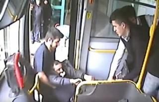 Halk Otobüslerinde Fenalaşan Yolcular Hastaneye...