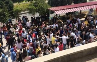 Öğrenciler Sınav Öncesi Stres Attı