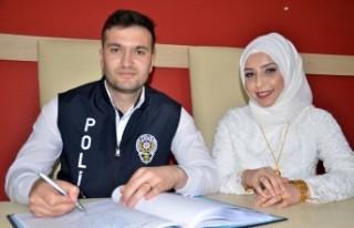 """Polis Memuru, Polis Günü'nde Mutluluğa """"Evet""""..."""
